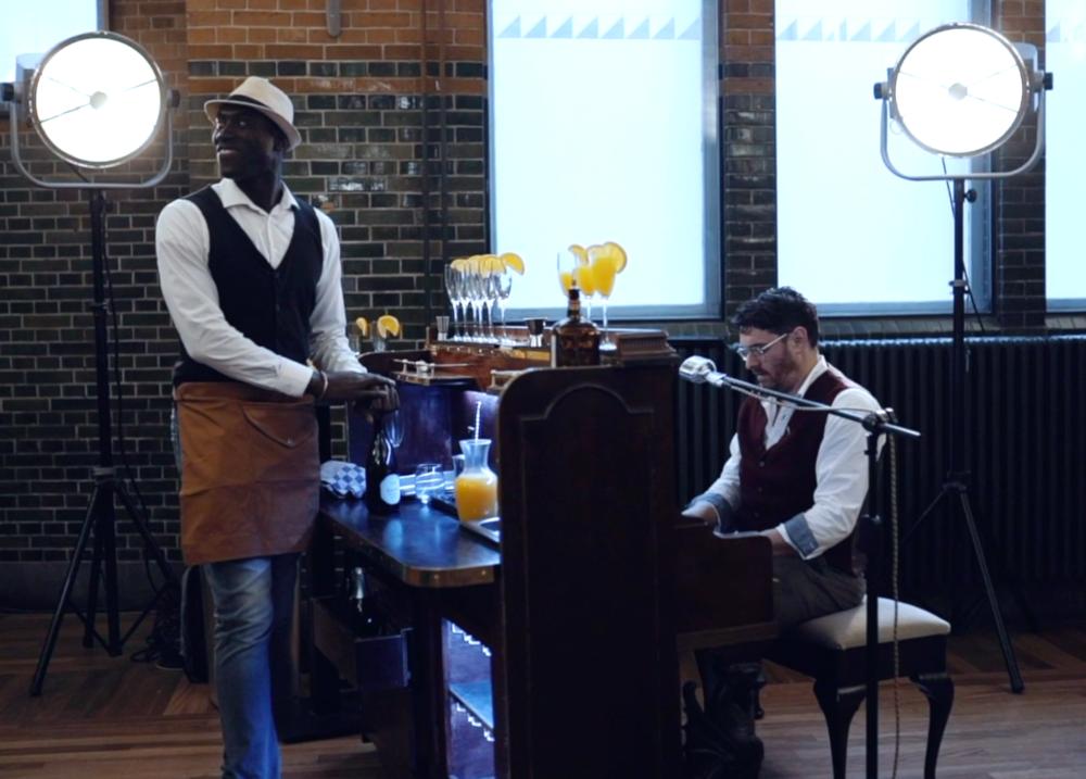 Movers & Shakers Pianobar